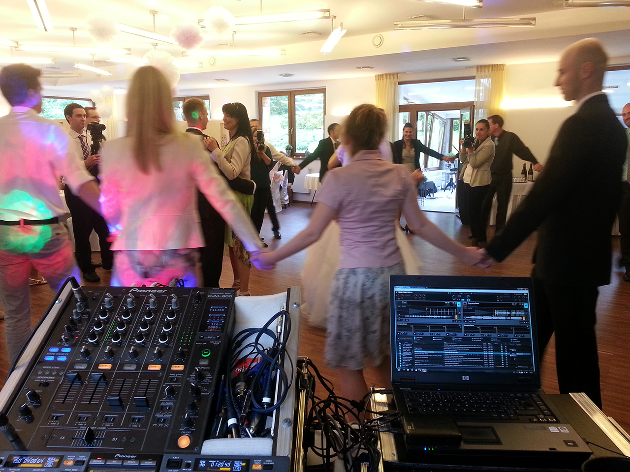 DJ na svatbu aparatura